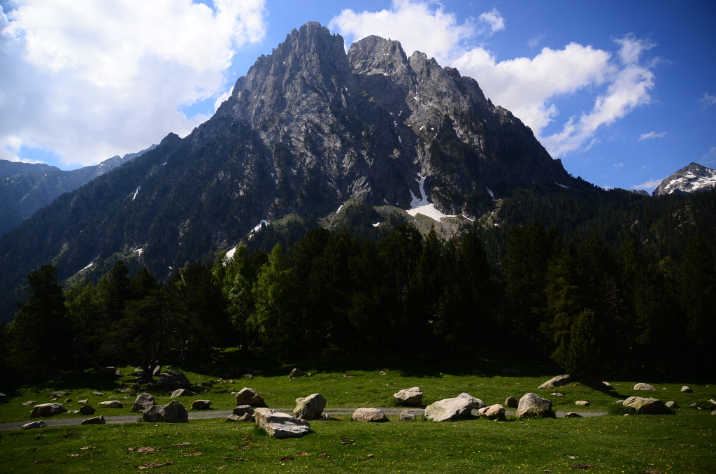 WHAT ACTIVITIES CAN I DO IN AUTUMN IN THE PYRENEES?