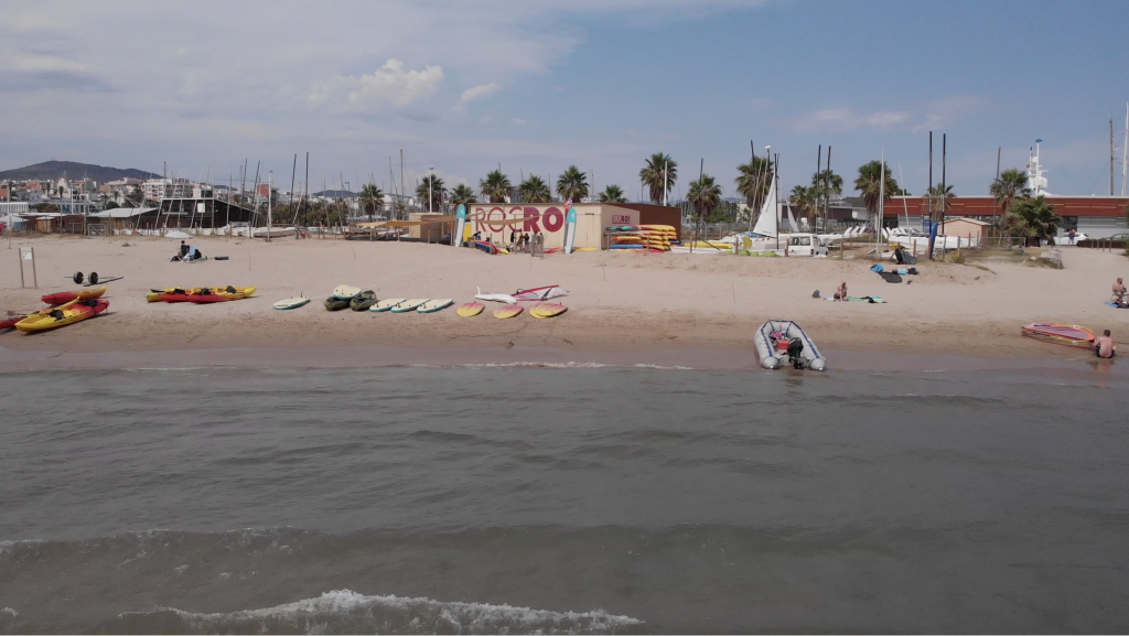 Seven beaches in Catalonia to practice active tourism with your family