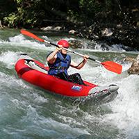 Open kayak en rivière