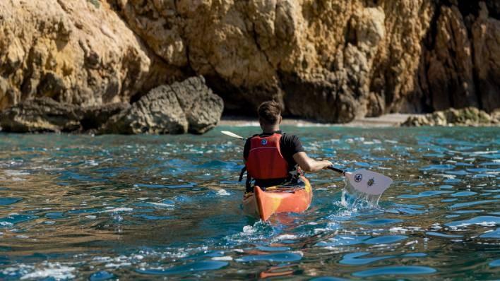 Expedición en kayak 'los acantilados del Garraf' 5h