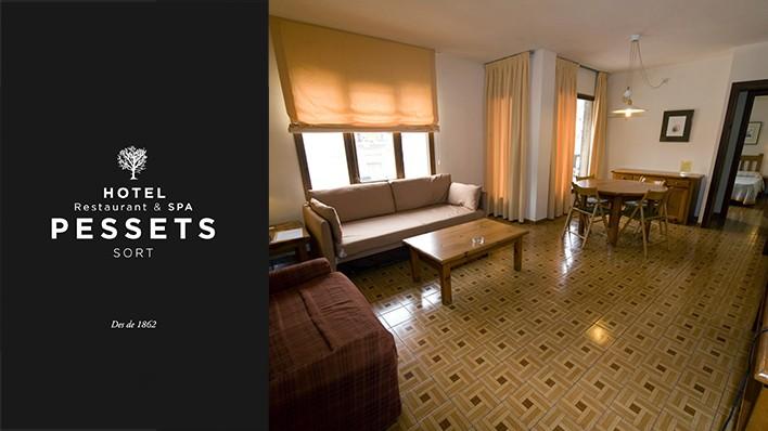 Rafting de Llavorsí a Rialp (14KM) + Barranquismo + 2 noches en Apartaments Pessets by ASSUA VIATGES