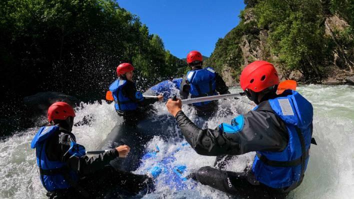 Rafting de Llavorsí a Rialp (14KM) + 1h canoa / kayak en el Lago de la Torrassa