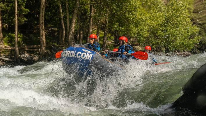 Rafting de Llavorsí a Rialp (14KM) + Barranco de perfección