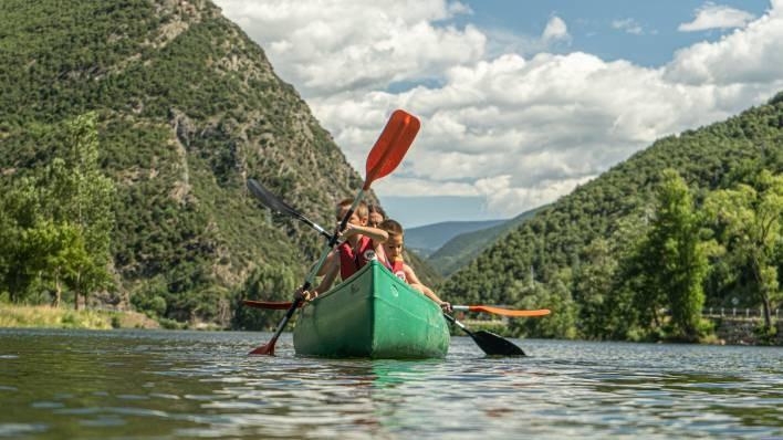 Ràfting de Llavorsí a Rialp (14KM) + 1h canoa / caiac al Llac de la Torrassa