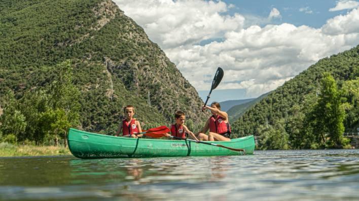 Quadruple canoe rent-30 minutes