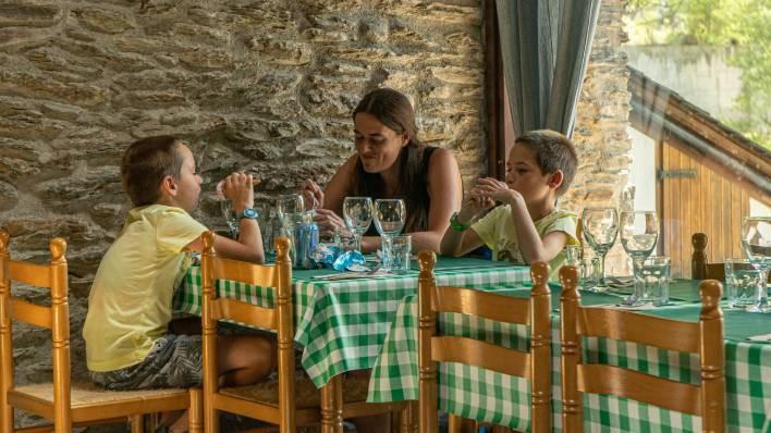 RocRoi-Illa riverboarding + Meal (9 km)