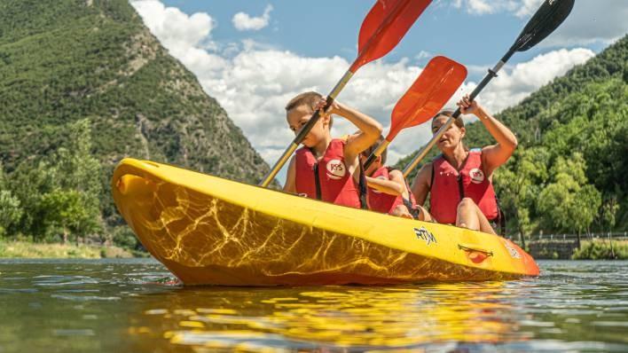 Double/triple kayak rent-1 hour
