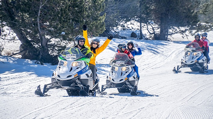 NEW! Exclusive guided tour on a double snowmobile 1H