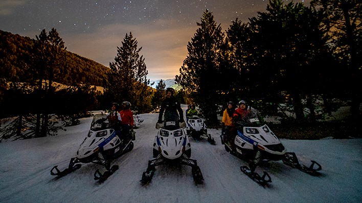 DOUBLE SNOWMOBILE NIGHT RIDE 60MIN + ROMANTIC DINNER AT LUXURY RESTAURANT